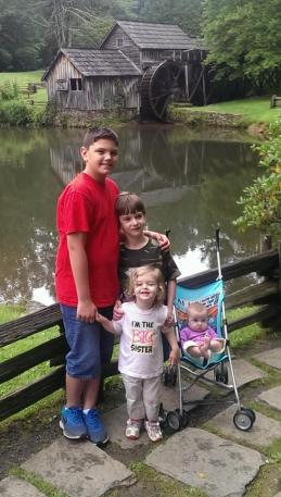 Cousin Joey from Virginia with Liam, Katy, and Evie!