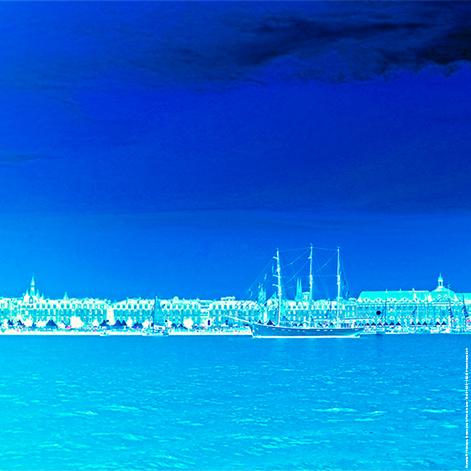 Bordeaux, Bateaux dans le Port de la Lune