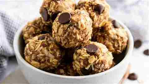 Oatmeal Raison No-Bake Energy Bites