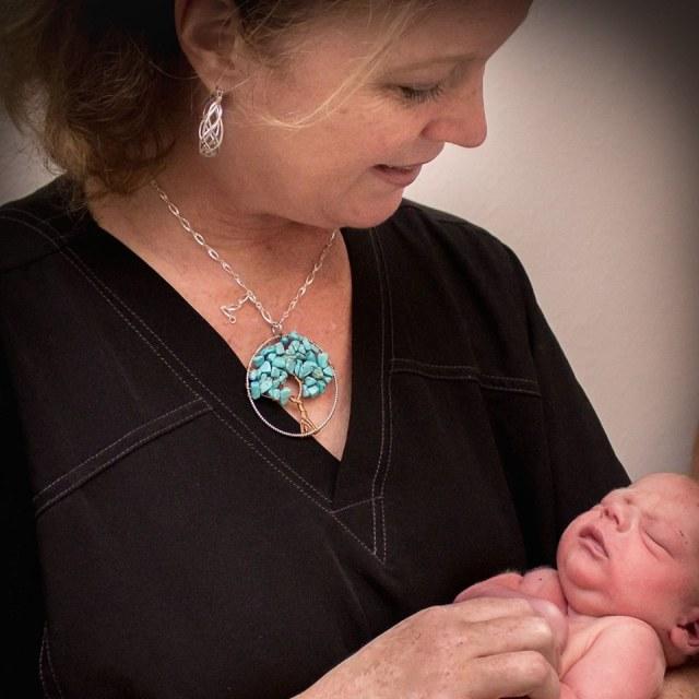margie-wallis-a-midwife-not-an-epidural-crystal-gornto-heartstories
