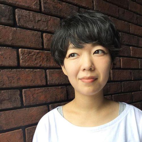 大人の黒髪ショートヘアところどころにポイントパーマで動きを#黒髪ショートヘア#大人ヘア#HEARTY#AKIKO @akikokiakikoki