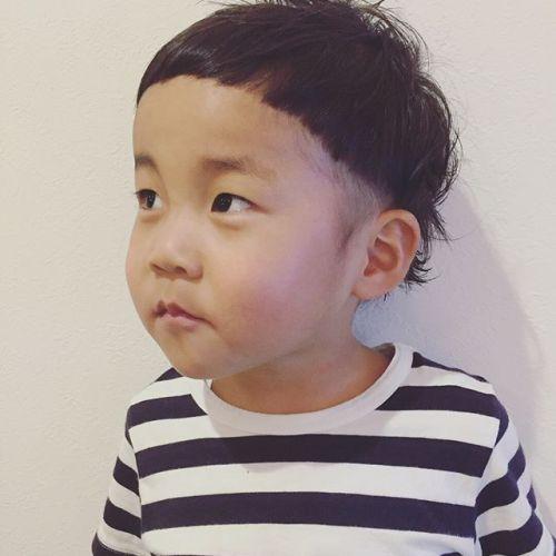 キッズカット3歳ボーイかっいいけど可愛い️くせ毛を生かして襟足をチョリンと跳ねさせてシャンプーも初めてできました#担当akiko #キッズカット#子供ヘアスタイル#hearty#高崎美容室ハーティー @akikokiakikoki