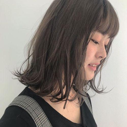 担当シオリ @shiori_tomii ケアブリーチをして柔らかモカベージュに♡くすみすぎてない色味なので肌なじみも抜群です♡#hearty#shiori_hair #モカベージュ#高崎美容室