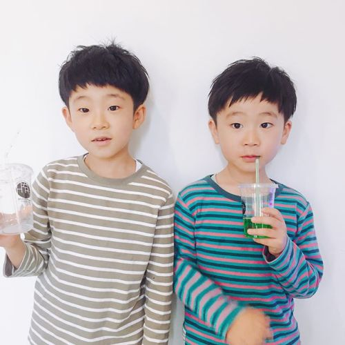 可愛いお客様️仲良し兄弟(o^^o) 担当AKIKO#キッズカット#子供ヘアスタイル #hearty #高崎美容室ハーティー @akikokiakikoki