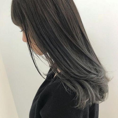 担当シオリ @shiori_tomii 毛先のブリーチをいかしてグレーベージュのグラデーションに#hearty#shiori_hair #高崎美容室#グレージュ