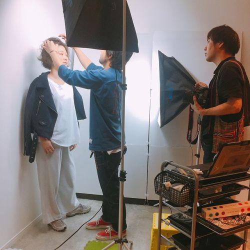 AKIKOです。塚越さん撮影。メイク担当させていただきました。東京からこの撮影のために来てくれたモデルさん♡高校生から通ってくれています♡今は池袋にある、雑誌などで人気のHANABARのカリスマ副店長の彼女♡ぜひ、皆さま遊びに行ってくださいな♡#HANABAR#メイク#撮影#モデル#hearty @abond_tsukagoshi @hanabar.ikebukuro @akikokiakikoki