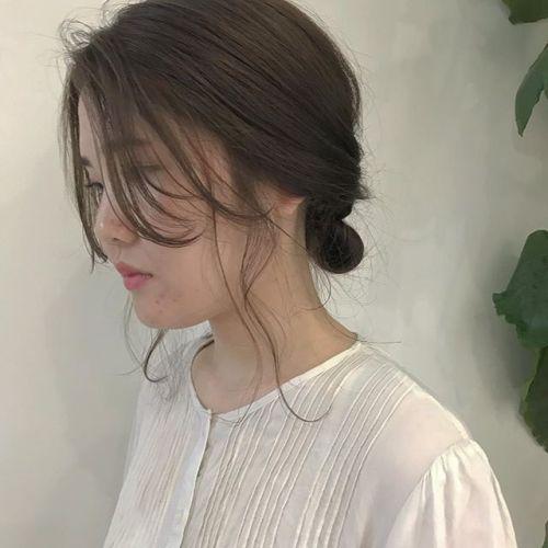 担当シオリ @shiori_tomii 巻いた時の柔らかさが出るようにcut!hair arrangeしてもかわいいですアンニュイお団子アレンジ!#hearty#shiori_hair #hairarrange #ヘアアレンジ#高崎美容室 #高崎