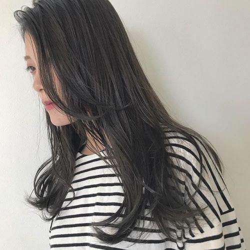 担当シオリ @shiori_tomii カーキグレージュ#hearty#shiori_hair #カーキグレージュ#透明感カラー#高崎美容室#高崎