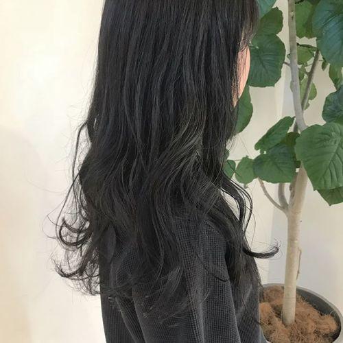 担当シオリ @shiori_tomii ブリーチなしのグレージュカラー🦓🦓色が落ちにくいよう、濃いめにいれてあります!#hearty#shiori_hair #グレージュ#透明感カラー#高崎美容室#高崎
