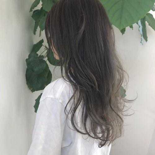 担当シオリ @shiori_tomii アッシュベージュのグラデーションカラーレイヤーをたっぷりいれて動きがでるようにカットしてあります#hearty#shiori_hair #アッシュベージュ#ベージュ#グラデーション#高崎美容室#高崎