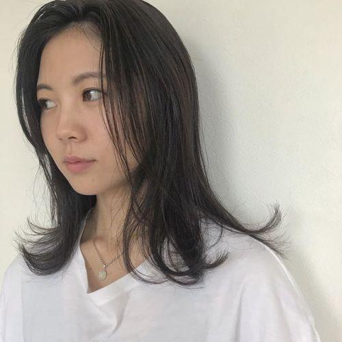 担当シオリ @shiori_tomii くすみカラーのミディアムヘア#hearty#shiori_hair #透明感カラー #くすみカラー #グレージュ#アッシュベージュ#外国人風カラー #高崎美容室#高崎