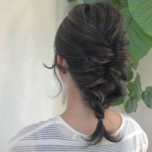 担当シオリ @shiori_tomii ハイライトたっぷりいれてエビちゃんアレンジ🦐🦐#hearty#shiori_hair #ヘアアレンジ#ヘアスタイル#ヘアカラー#ハイライト#髪型#高崎美容室#高崎