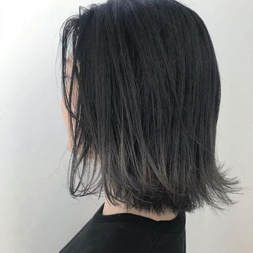 担当シオリ @shiori_tomii 毛先のみブリーチしてホワイトアッシュにしました♡毛先はブリーチ×2です#hearty#shiori_hair #ホワイトアッシュ#グレージュ#グラデーション#ヘアスタイル#ヘアカラー#高崎美容室#高崎