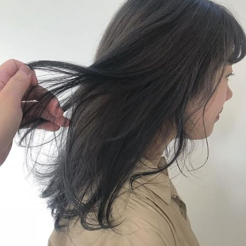 担当シオリ @shiori_tomii 柔らかいラベンダーグレー透明感カラーはおまかせください!#hearty#shiori_hair #ラベンダーグレージュ #ラベンダーアッシュ #透明感カラー#ヘアカラー#ケアブリーチ#高崎美容室#高橋