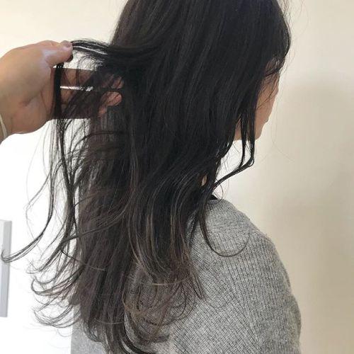 担当シオリ @shiori_tomii グレージュのグラデーション🦋#hearty#shiori_hair #グレージュ#グレー#グラデーションカラー #高崎美容室#高崎#群馬#群馬美容室
