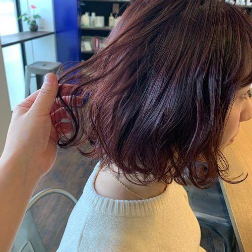 担当シオリ @shiori_tomii レッド系は光に当たるととってもかわいいです#hearty#shiori_hair #ピンクブラウン #ピンクヘア#bob#高崎美容室#群馬美容室#高崎#群馬