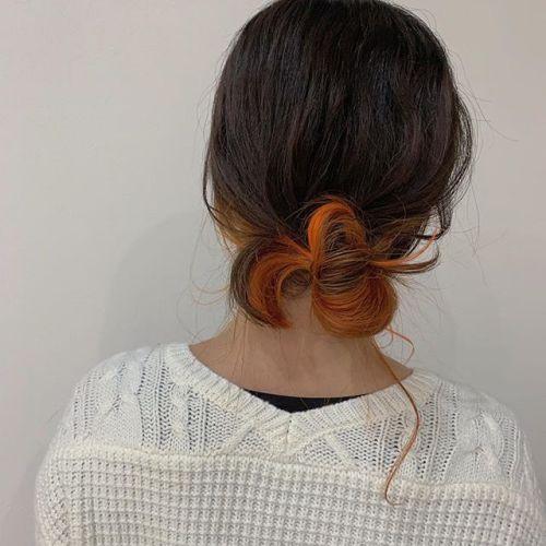 担当シオリ @shiori_tomii orange colorでアクセントに#hearty#shiori_hair #オレンジカラー #オレンジ#ポイントカラー#ハイライト#ヘアアレンジ#お団子ヘア #高崎美容室#群馬美容室#高崎#群馬
