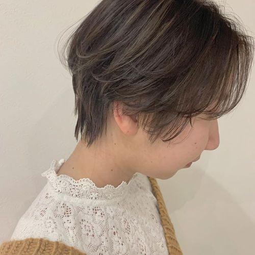 担当シオリ @shiori_tomii 成人式がおわってバッサリ切られる方が多いですね♡ハンサムショート🕊まかせてくれてうれしいですー#hearty#shiori_hair #ハンサムショート#ショートヘア#ヘアスタイル#ハイライト#ムラカラー#透明感カラー #高崎美容室#群馬美容室#高崎#群馬
