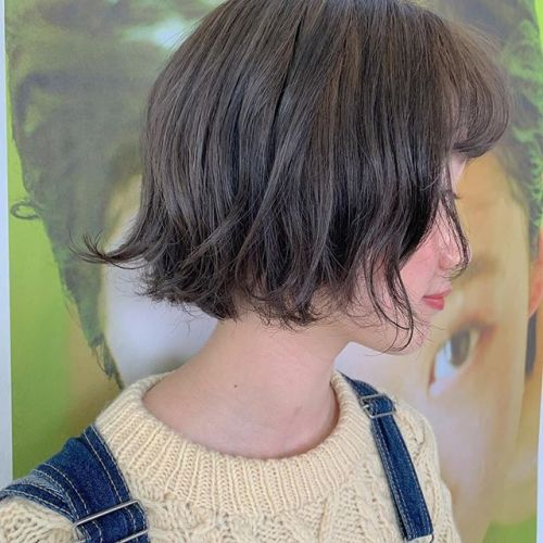 くすみ過ぎてないモカベージュ#hearty#shiori_hair #グレージュ#アッシュ#ベージュ#透明感#切りっぱなしボブ#BOB#地毛風カラー #高崎美容室#群馬美容室#高崎#群馬