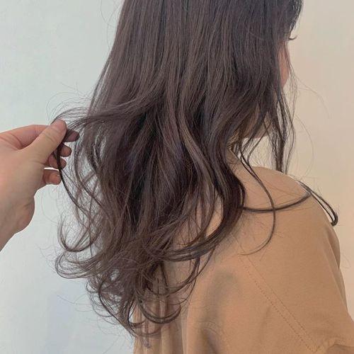 担当シオリ @shiori_tomii 春らしく柔らかいピンクラベンダー#hearty#shiori_hair #ピンクラベンダー#ラベンダーアッシュ #ヘアスタイル#ヘアカラー#ヘアアレンジ動画 #高崎美容室#グレージュ#アッシュ#群馬美容室#高崎#群馬