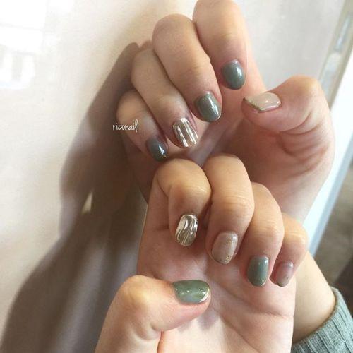 色を重ねて作り出した シアーなくすみグリーン#riconail #HEARTY #abond #nail #nails #gelnail #gelnails #nailart #instanails #nailstagram #beauty #fashion #nuancenail #ネイル #ジェルネイル #ネイルデザイン #フットネイル #ニュアンスネイル #ヴィンテージネイル #フレンチネイル #ミラーネイル #シアーネイル @riconail123