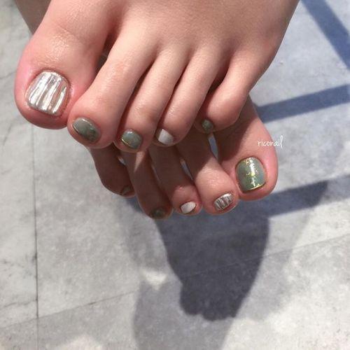 フットネイルをされるお客様も増えてきています◡̈⃝#riconail #HEARTY #abond #nail #nails #footnail #gelnail #gelnails #nailart #instanails #nailstagram #beauty #fashion #nuancenail #ネイル #ジェルネイル #フットネイル #ネイルデザイン #ニュアンスネイル #ミラーネイル #シアーネイル @riconail123