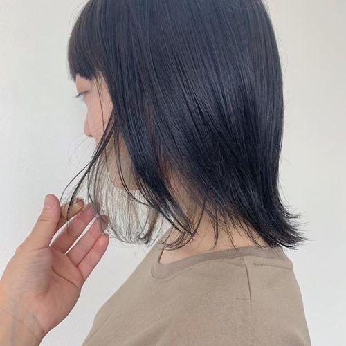 担当シオリ @shiori_tomii 全体はダークグレーにインナーのみケアブリーチしてホワイトアッシュ🐋🐋#hearty#shiori_hair #ダークグレー#グレージュ#インナーカラー#ハイライト#高崎美容室#群馬美容室#高崎#群馬