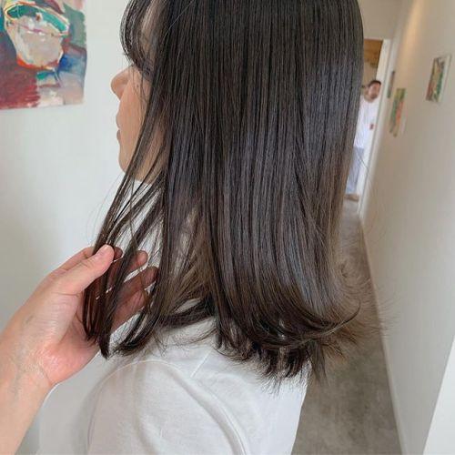担当シオリ @shiori_tomii 伸びても気にならないようにナチュラルなグレージュのグラデーションカラー🦈#shiori_hair #hearty#グレージュ#ディープグレー#高崎美容室#群馬美容室#高崎#群馬