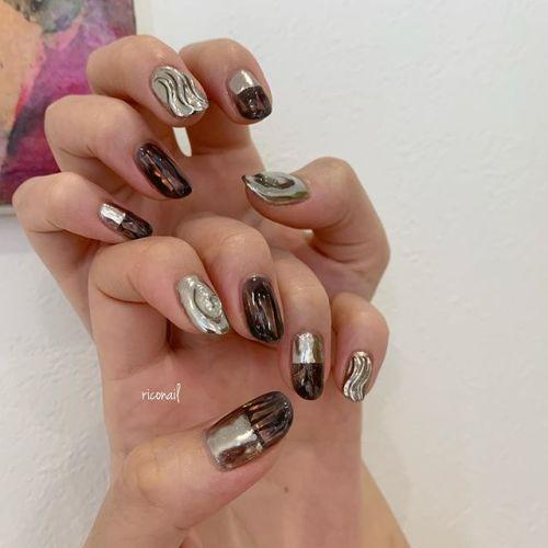 黒×ミラー⋆⋆⋆#riconail #HEARTY #abond #nail #nails #gelnail #gelnails #nailart #instanails #nailstagram #beauty #fashion #nuancenail #ネイル #ジェルネイル #ネイルケア #ニュアンスネイル #個性派ネイル @riconail123
