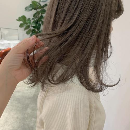 担当シオリ @shiori_tomii ブリーチ1回のミルクティーベージュ🐆#hearty#shiori_hair #ミルクティーベージュ#ミルクティーグレージュ #ベージュ#アッシュベージュ#高崎美容室#群馬美容室#高崎#群馬