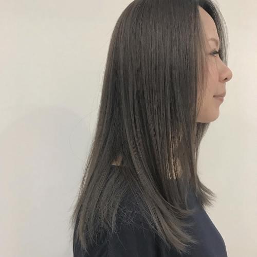 担当シオリ @shiori_tomii グレージュに染めてロイヤルトリートメントしましたサラサラです〜〜!#hearty#shiori_hair #グレージュ#透明感カラー#ヘアカラー#高崎美容室#高崎