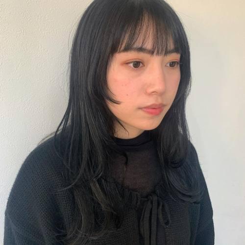 担当シオリ @shiori_tomii 顔周りを切り込んで動きをプラス#hearty#shiori_hair #レイヤーカット#レイヤースタイル#あいみょんヘア #姫カット#ウルフ#ウルフカット #高崎美容室#群馬美容室#高崎#群馬