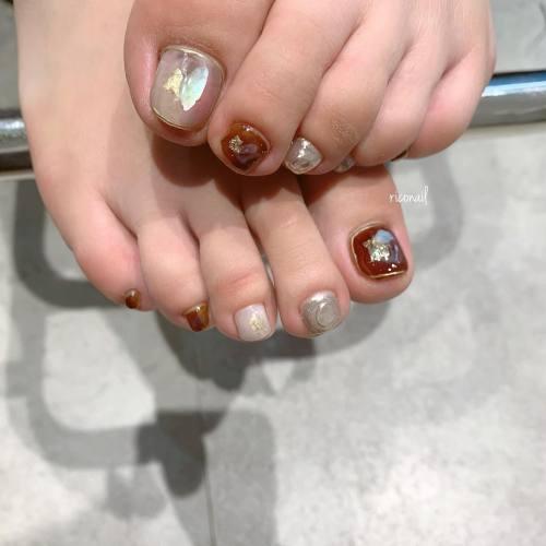 お客様たちのフットネイルは秋仕様 ༘*#riconail #HEARTY #abond #nail #nails #gelnail #footnail #gelnails #nailart #instanails #nailstagram #beauty #fashion #nuancenail #ネイル #ジェルネイル #ネイルデザイン #フットネイル #フットケア #ニュアンスネイル #個性派ネイル @riconail123