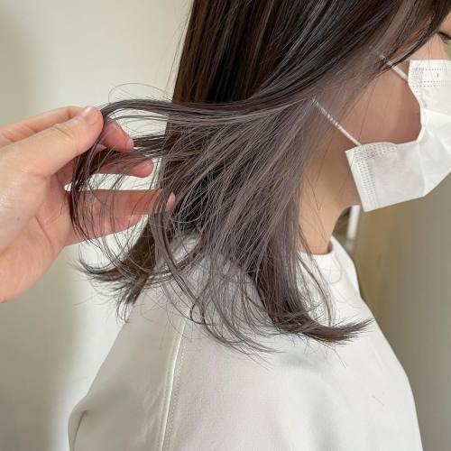 インナーカラー♡ワンブリーチしてホワイトベージュにしました!#hearty#shiori_hair #ホワイトベージュ#インナーカラー#ハイライト#アッシュベージュ#ラベンダーベージュ#高崎美容室#群馬美容室#高崎#群馬