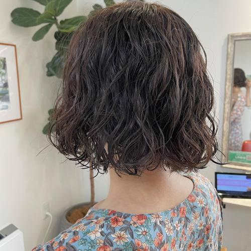 担当シオリ @shiori_tomii くるくるパーマをかけてざっくり結ぶのも梅雨にはあり#hearty#shiori_hair #高崎美容室#群馬美容室#高崎#群馬