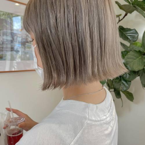 担当シオリ @shiori_tomii white beige BOB🦙ハイトーンはベースがとっても大事です!切りっぱなしボブの似合わせも大得意なのでお任せ下さい♡#hearty#shiori_hair #ブロンド#ブロンドヘアー #ブロンドカラー #ベージュ#ホワイトベージュ #高崎美容室#群馬美容室#高崎#群馬