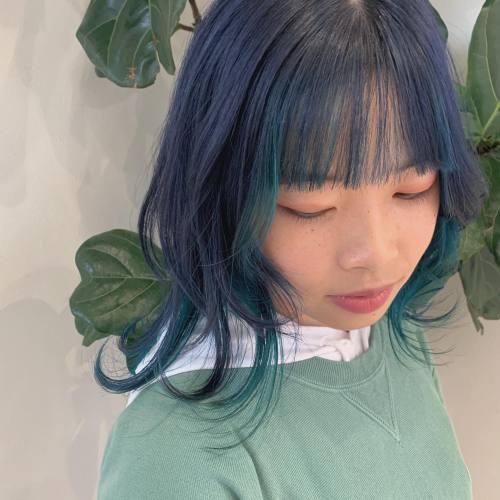 担当→コガワ🕊 @momokakogawa インナーにturquoise blue🌎ウルフとの相性バッチリです#インナーカラー#ハイトーンウルフ#ハイトーンカラー#ターコイズブルー#ブルーヘア#群馬美容室#高崎美容室