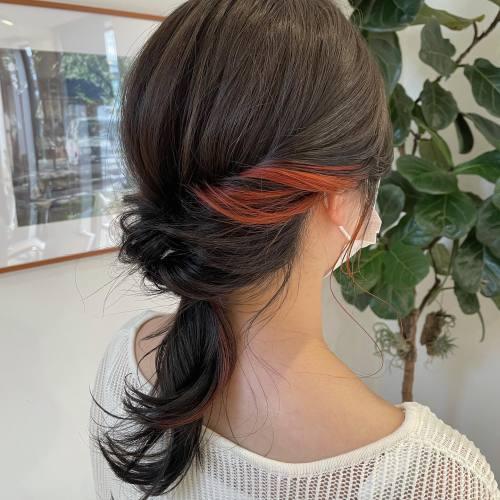担当シオリ @shiori_tomii インナーカラー🧡#hearty#shiori_hair #インナーカラー#ハイライト#イヤリングカラー#オレンジカラー #オレンジブラウン #オレンジベージュ #ヘアアレンジ#ヘアセット#高崎美容室#群馬美容室#高崎#群馬