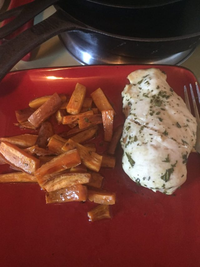 Cooked chicken tarragon with sweet potato fries