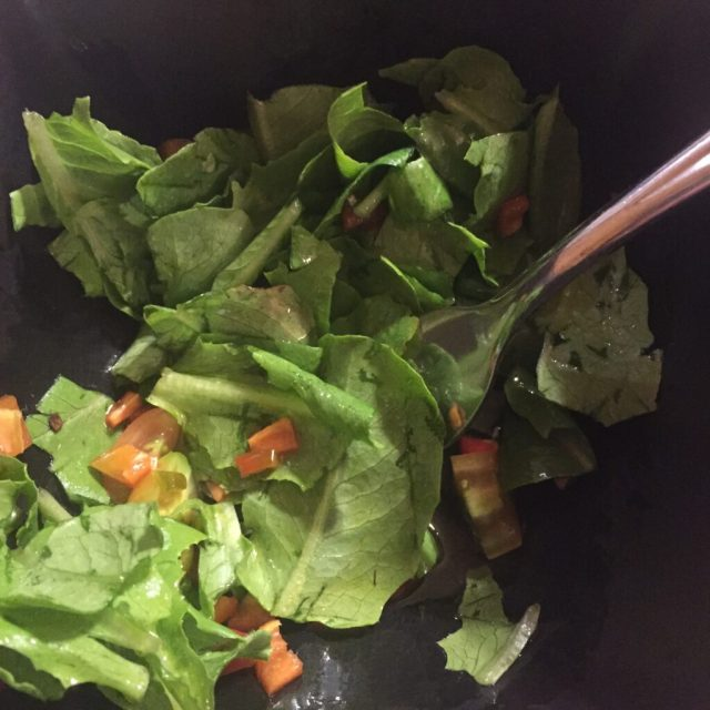 Salad with romaine, sweet peppers and tomoatoes