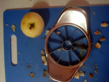 Without this aweseome weapon of apple slicing goodness this whole process woul have taken AGES