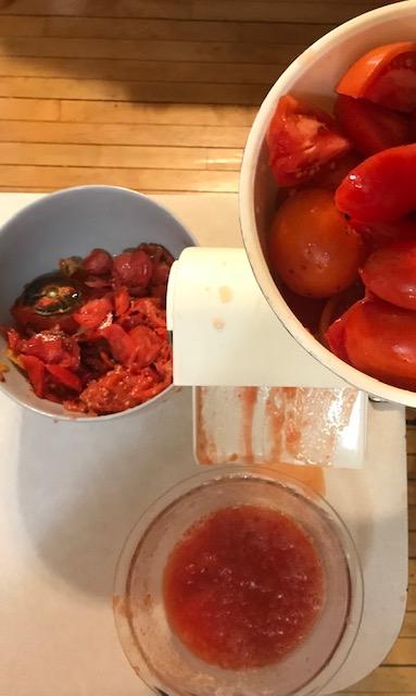 Easy Homemade Pizza Sauce #heatherearles #herbnwisdom #marinade #canningpizzasauce #Christmasgiftideas #pizza #naturalliving #howtomakepizzasauce
