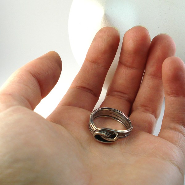 wave ring in hand