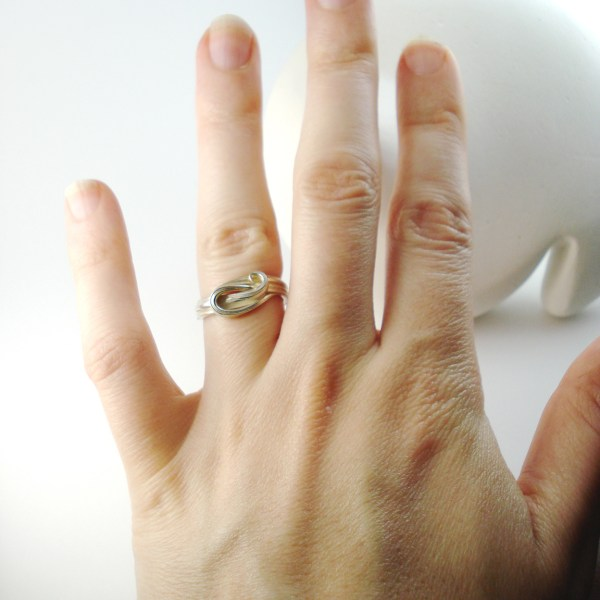 mitsuro wave ring on hand