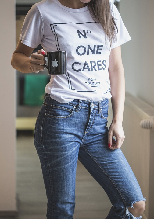lady in jeans with shirt design print