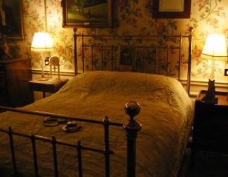 The bed Winston Churchill was born in