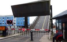 Cantilivered Bridge oopening2