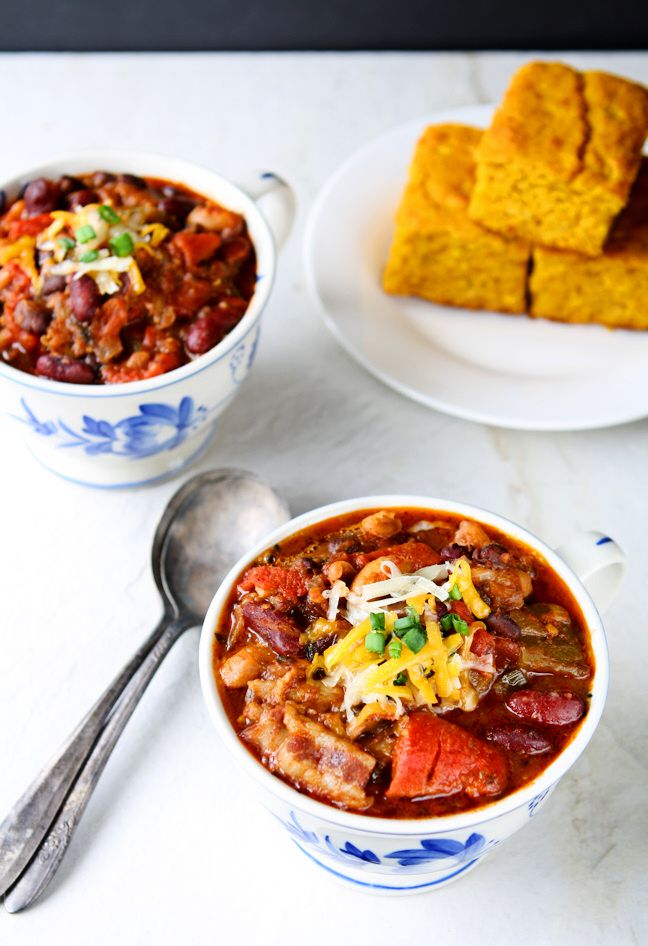 Three Bean Chili with Bacon | You will love this delicious and healthy three bean chili. Roasted bell peppers and bacon add an extra flavor kick. | heavenlyhomecooking.com