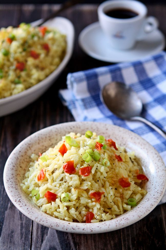 Garlic and Herb Long Grain Rice | Flavorful, moist and delicious, this is not the usual bland rice. Flavored with chicken broth, garlic and herbs, it will become one of your favorite side dishes!| heavenlyhomecooking.com