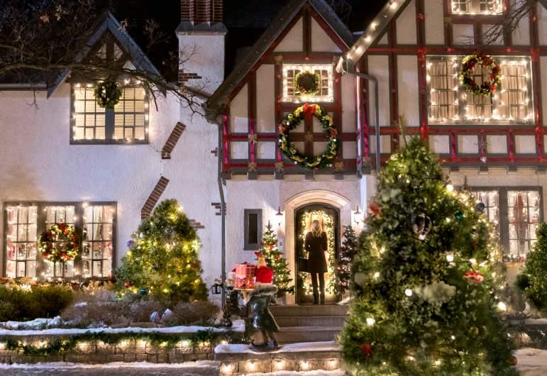 Hallmark Christmas Connection Cast Photos Amp Where Filmed